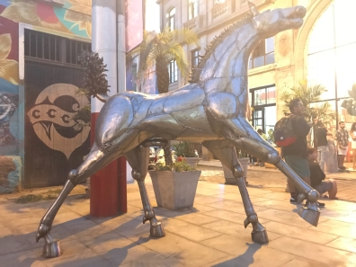 ...are the details of the statue. That's real horse power!