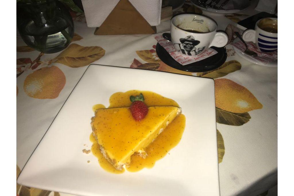 Tarta de Maracuya con helado