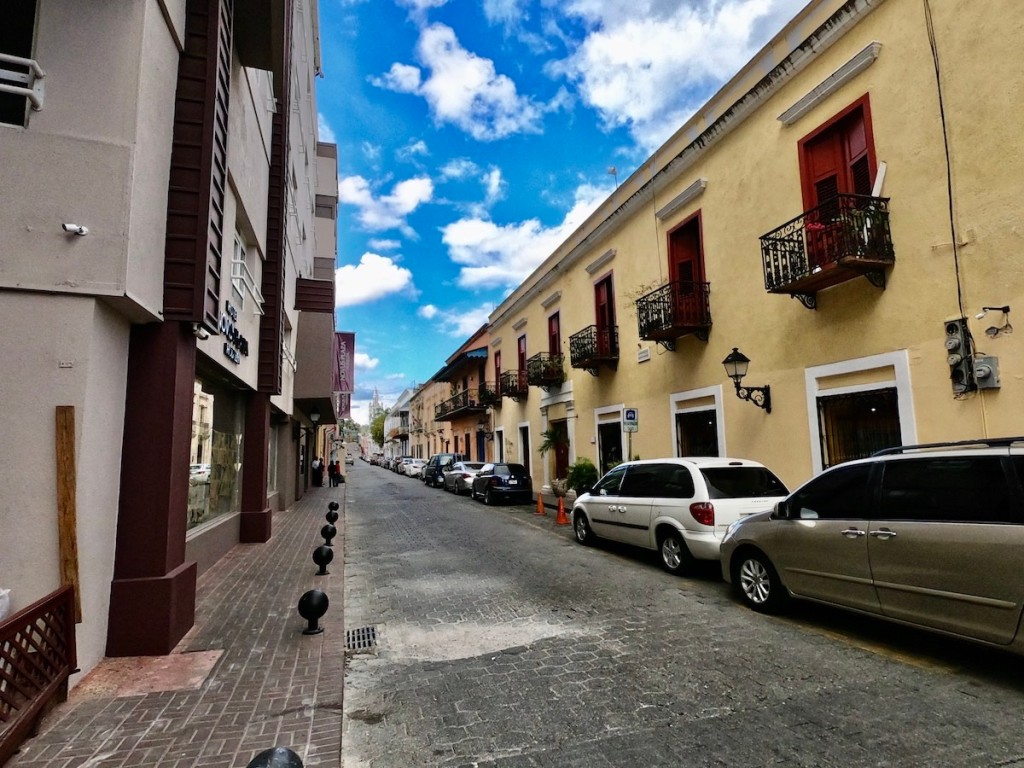 Calle Hostos in the Santo Domingo
