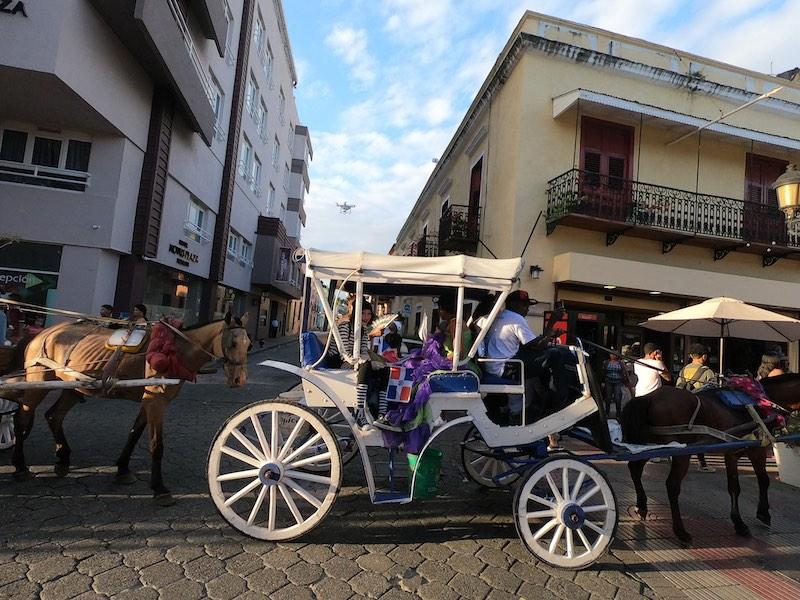 Carnaval 2020 en la Zona Colonial en Santo Domingo (1)
