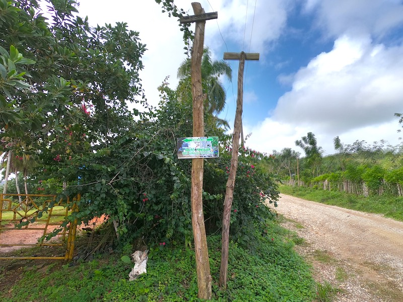 Traffic sign to Salto Yanigua