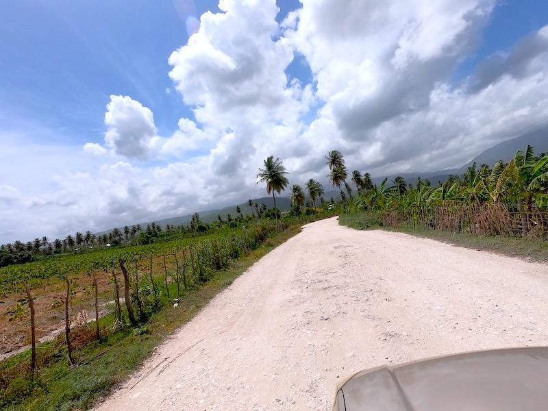 Street to Laguna Rincon