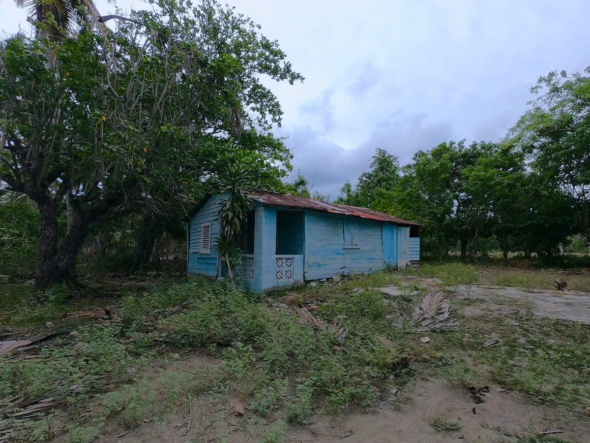 Lost fishing village at Playa Teco Maimon (1)