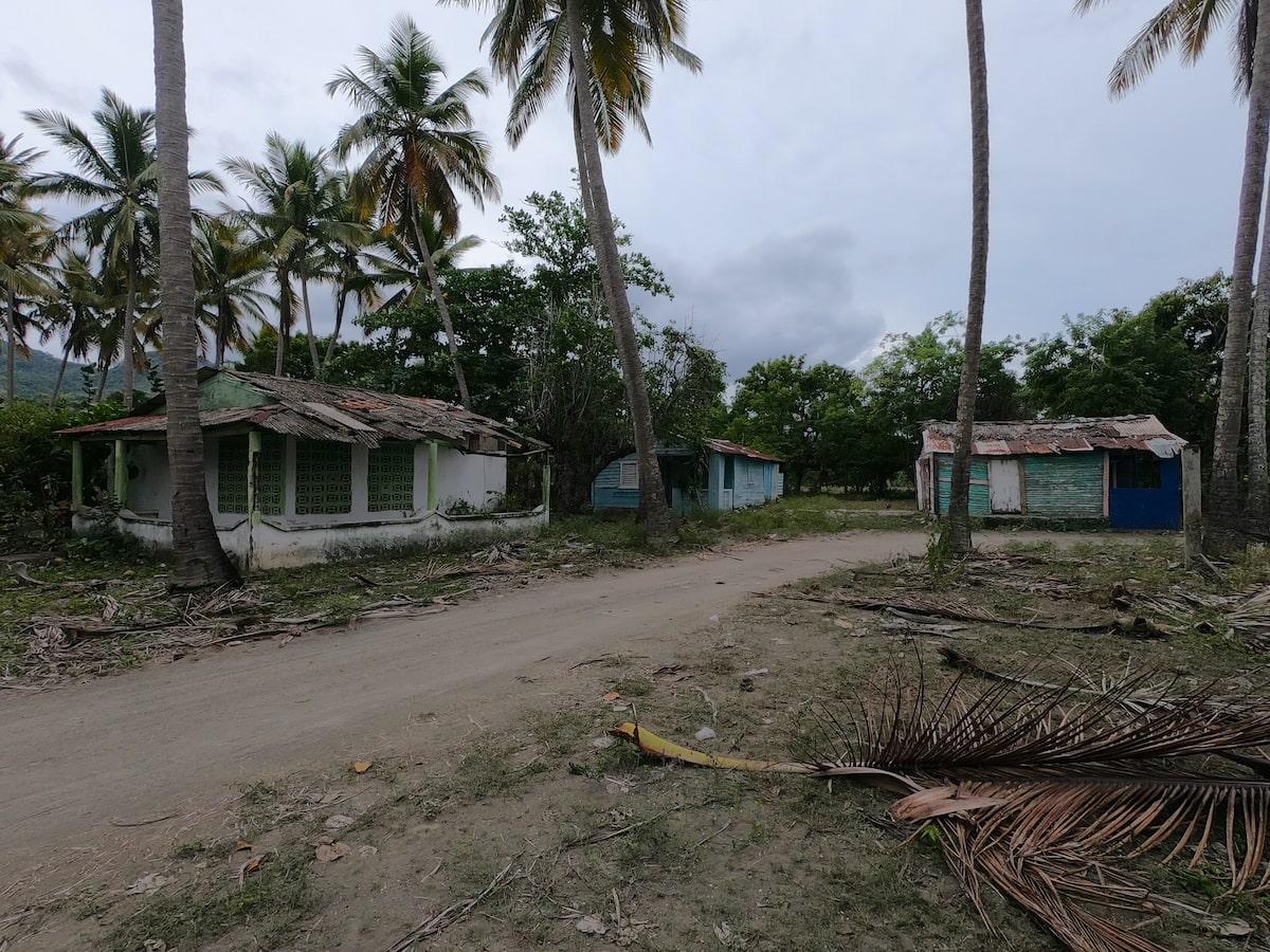 Lost fishing village at Playa Teco Maimon (3)